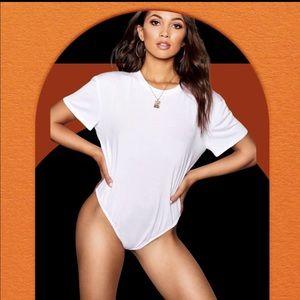 NWT  t-shirt bodysuit in white